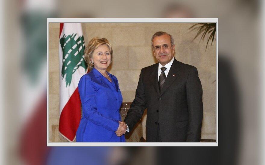 JAV niekada neparduos Libano Sirijai, sako Clinton