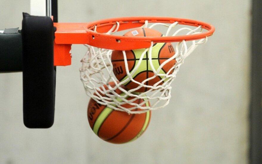Mano kiemo krepšinis: po 30-ies metų draugai susirenka tame pačiame kieme