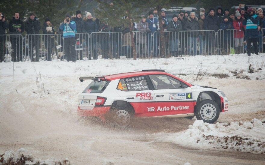 """""""Halls Winter Rally 2017"""" greičiausiai važiavo D. Butvilas"""