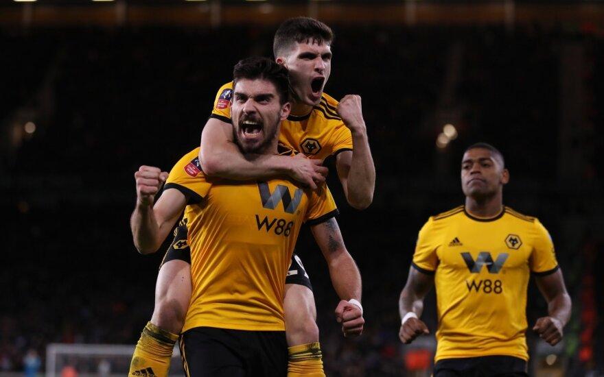 """Rubenas Nevesas, """"Wolverhampton"""""""