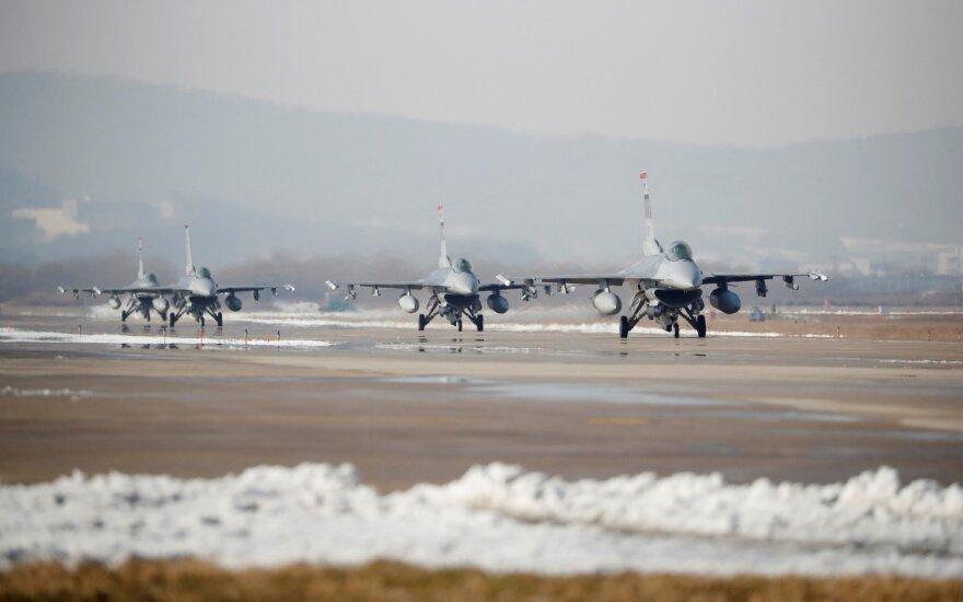 Žinutė Šiaurės Korėjai – didžiausios JAV ir Pietų Korėjos karinės pratybos