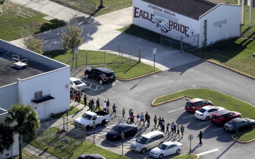 Floridos įstatymų leidėjai svarsto mokyklų saugumo įstatymo pataisas