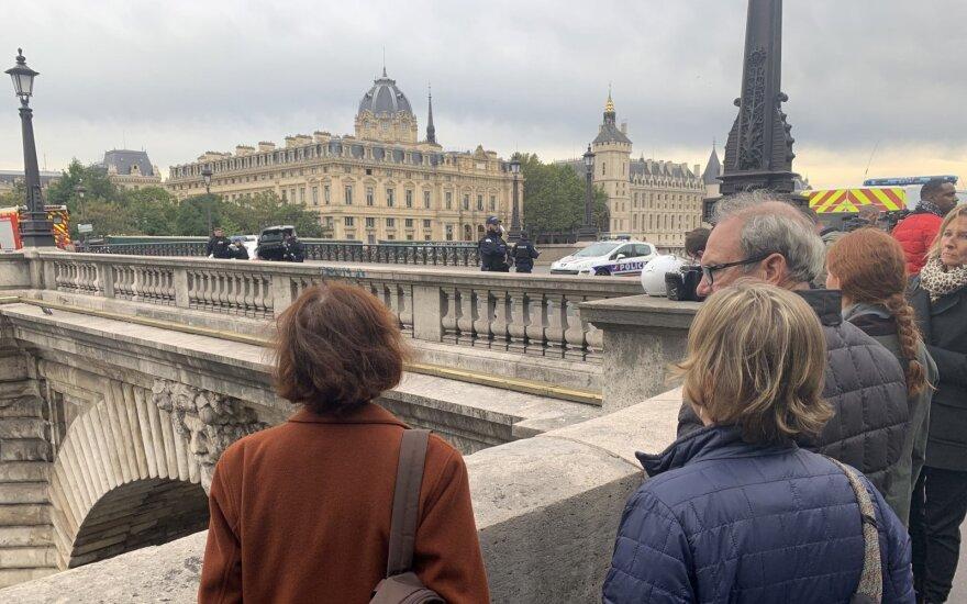 """Po brutalaus išpuolio Paryžiuje oficiali versija apie """"pavyzdingą kolegą"""" verčiasi aukštyn kojom"""