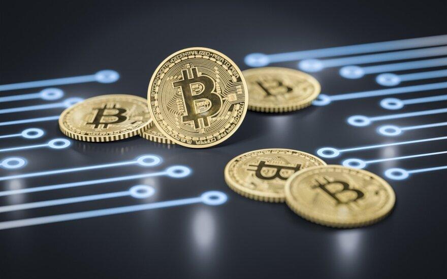 Bitkoino ir kitų kriptovaliutų vertė sminga žemyn