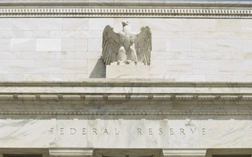JAV FED: nauji tarifai gali nusmukdyti importą ir eksportą