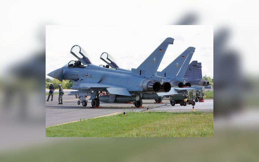 NATO kariniai lėktuvai