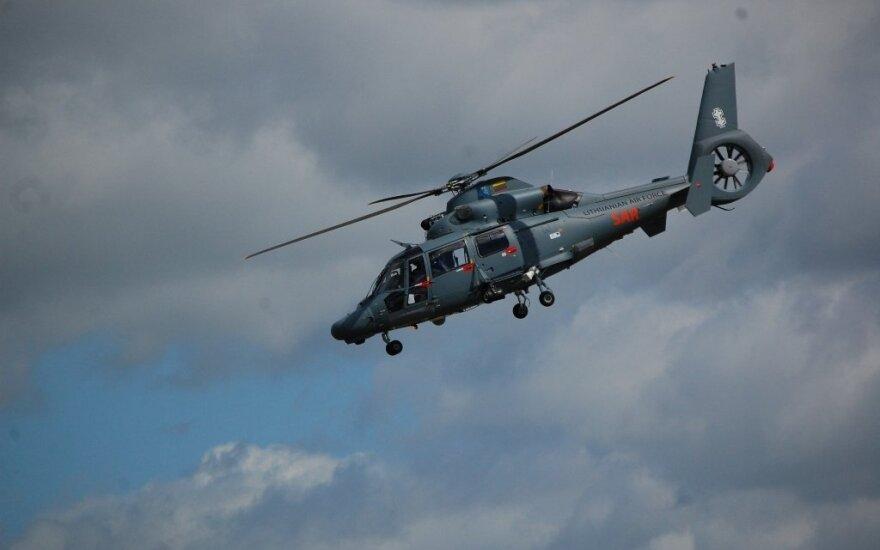 Lietuvos karinių oro pajėgų sraigtasparnis iš Liepojos į Kauną pergabeno donoro organą