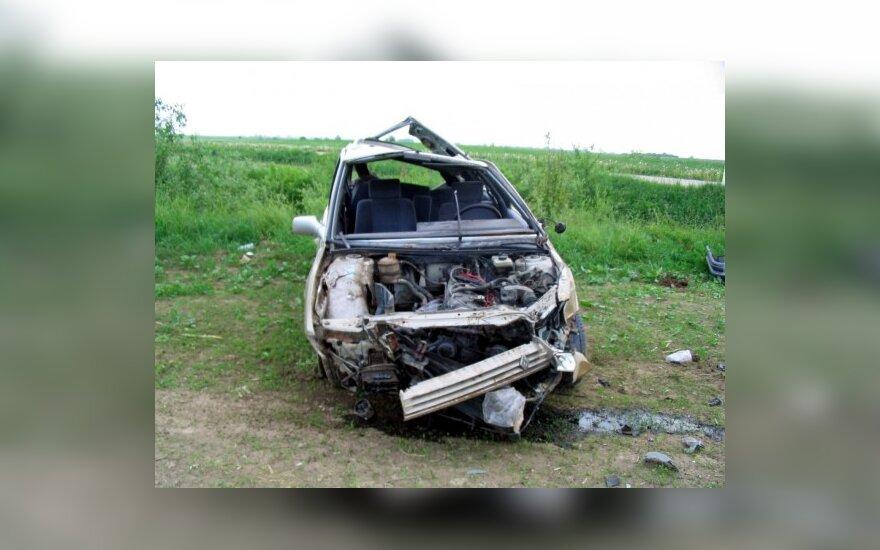 Vairuotojas, avarijos vietoje palikęs sužeistą 14-metį keleivį, rastas pasislėpęs spintoje (atnaujinta)