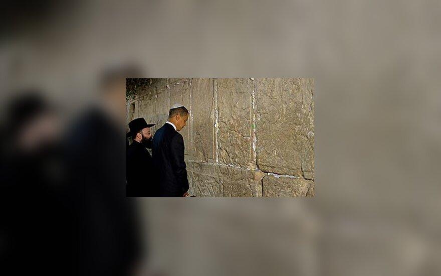 Barackas Obama prie raudų sienos Jeruzalėje