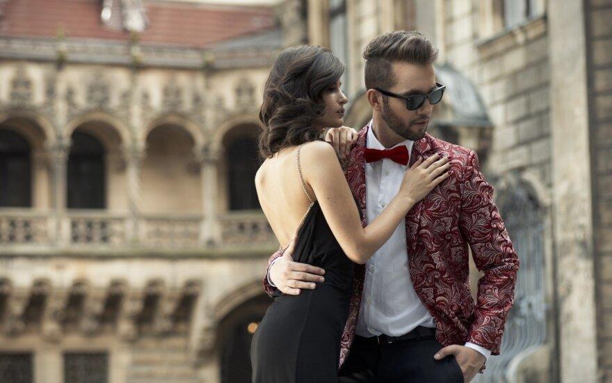 Tobulo kostiumo beieškant: vienuolika svarbiausių akcentų (FOTO)