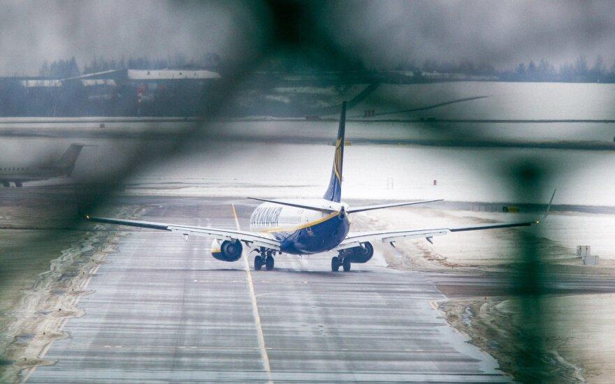 """Britų dvejonės dėl """"Brexit"""" gero nežada: sustos verslas, gali neskraidyti lėktuvai, nebegalioti piliečių teisės"""