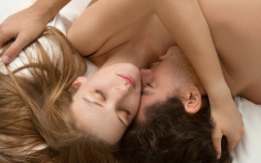 Kasdieninio sekso privalumai: stiprina sveikatą, pratęsia jaunystę, gerina nuotaiką