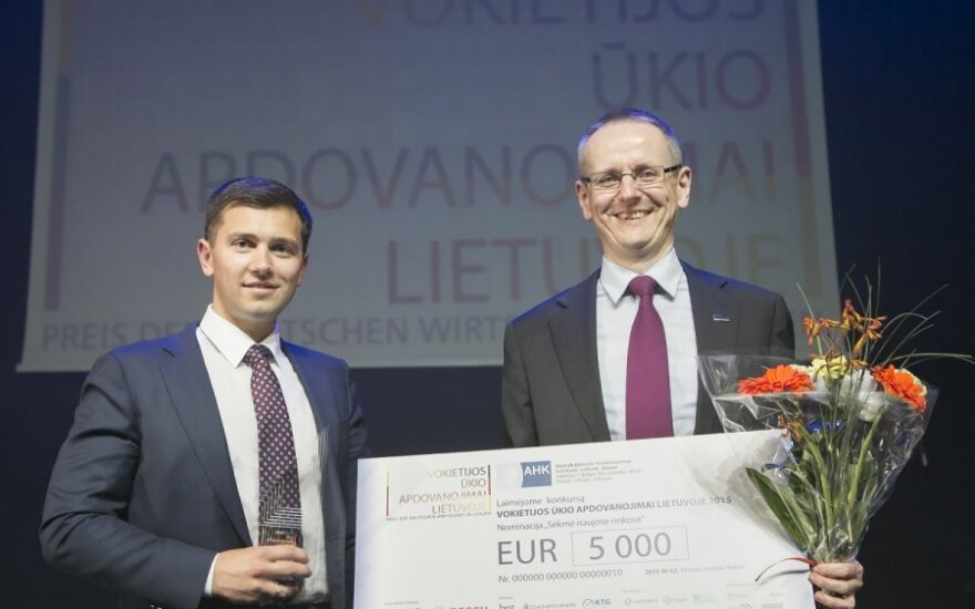 Baltic Amadeus accepting the award. Photo by Vincas Alesius, AHK Baltic States