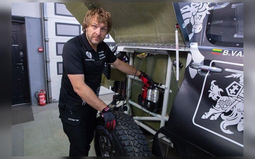 Benediktas Vanagas parodė tris svarbiausius įrankius Dakaro ralyje