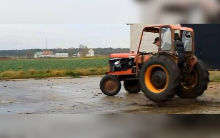 Patobulintas traktorius