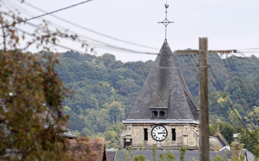 Nusikaltimai trijuose apsnūdusiuose Prancūzijos kaimeliuose verčia policininkus kraipyti galvas