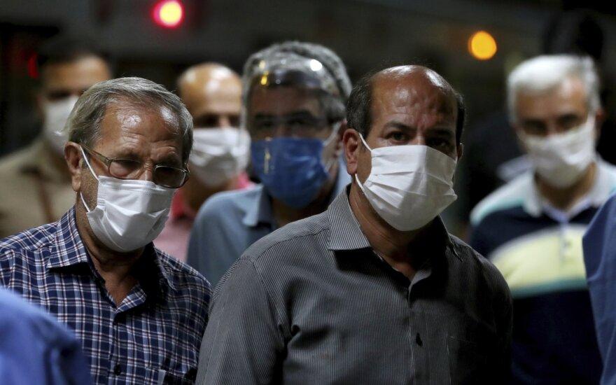 Irane koronaviruso aukų skaičius viršijo 18 tūkst.
