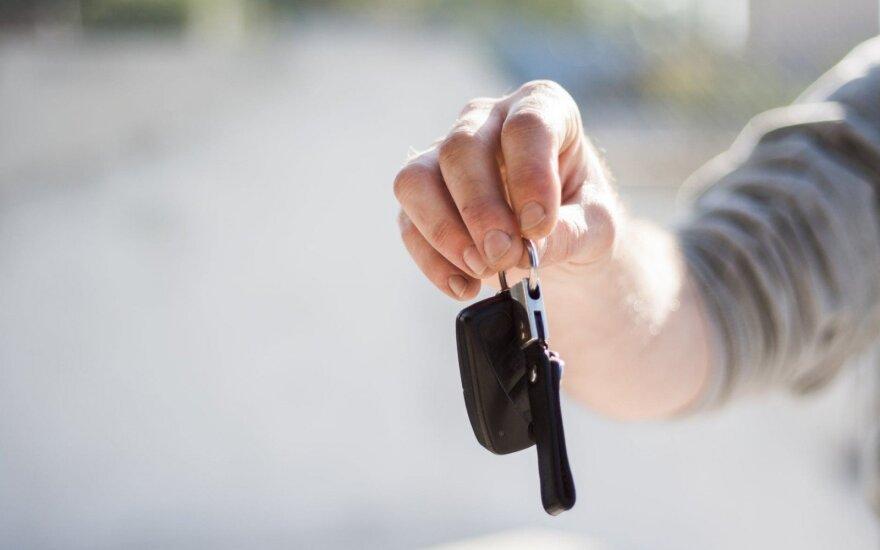 Specialisto patarimai: kaip greičiau parduoti automobilį