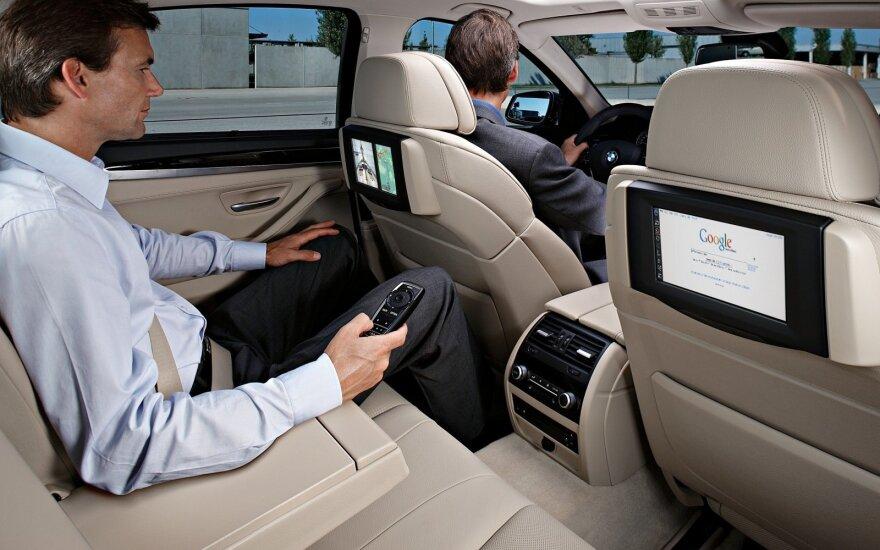 Internetas automobilyje