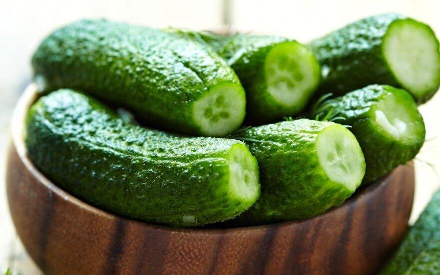Gardžių raugintų agurkų paruošimo gudrybės: trys greiti receptai