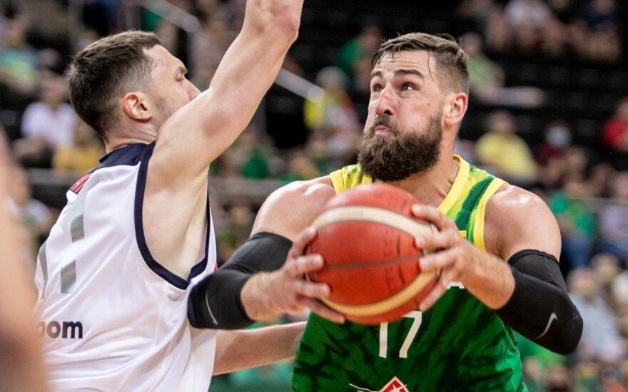 Lietuviai turėjo paprakaituoti, bet du NBA bokštai ir Grigonis privertė kapituliuoti rusus