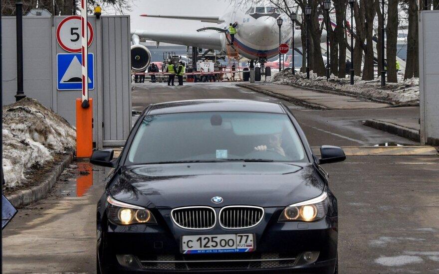 Iš JAV išsiųsti Rusijos diplomatai grįžo į Maskvą