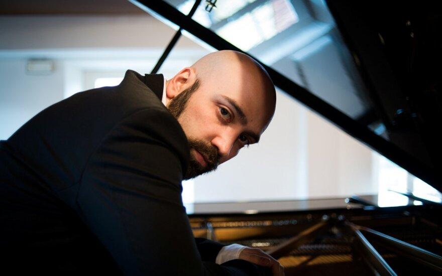 Alessandro Deljavanas