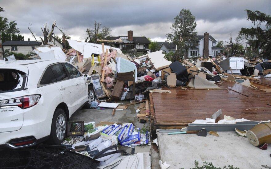 Čikagos priemiestyje siautęs tornadas sužeidė kelis žmones
