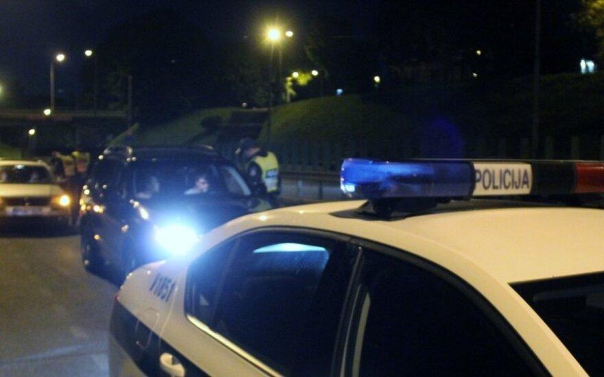 Naktinis reidas Vilniuje, policija gainiojosi bėglį