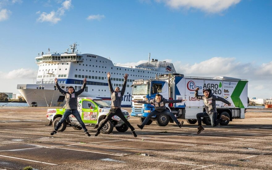 """""""Agrorodeo"""" komanda į Dakarą pasiims penkias tonas mantos"""