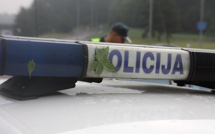Nufilmavo, ką Vilniaus gatvėse sau leidžia policijos pareigūnas