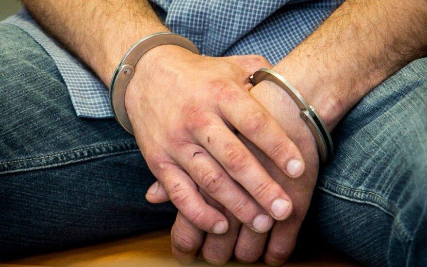 Teismus ir įkalinimo įstaigas žadama aprūpinti vaizdo konferencijų įranga įtariamiesiems apklausti