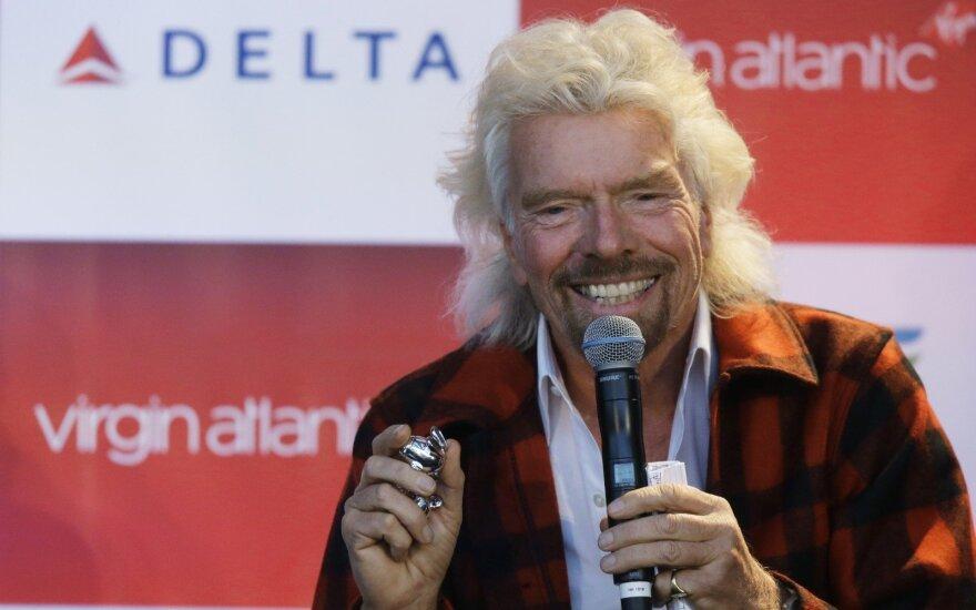 Britų milijardierius Bransonas siūlys prabangias kruizines keliones