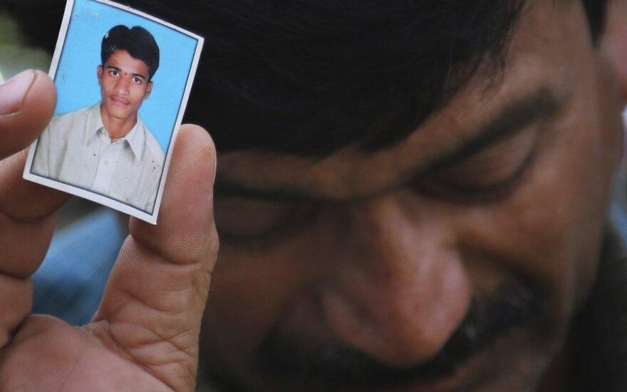 Indijoje nuskendo 24 studentai