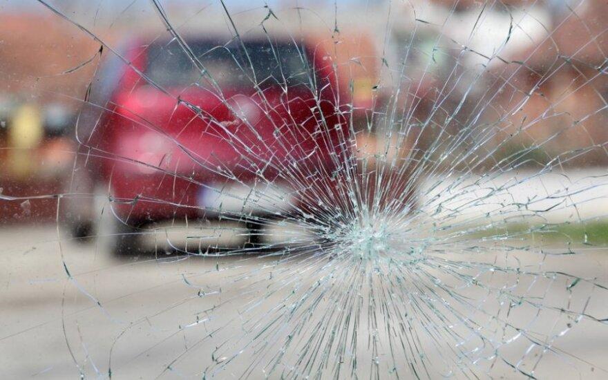 Panevėžyje suniokoti du automobiliai - ieškomi liudininkai