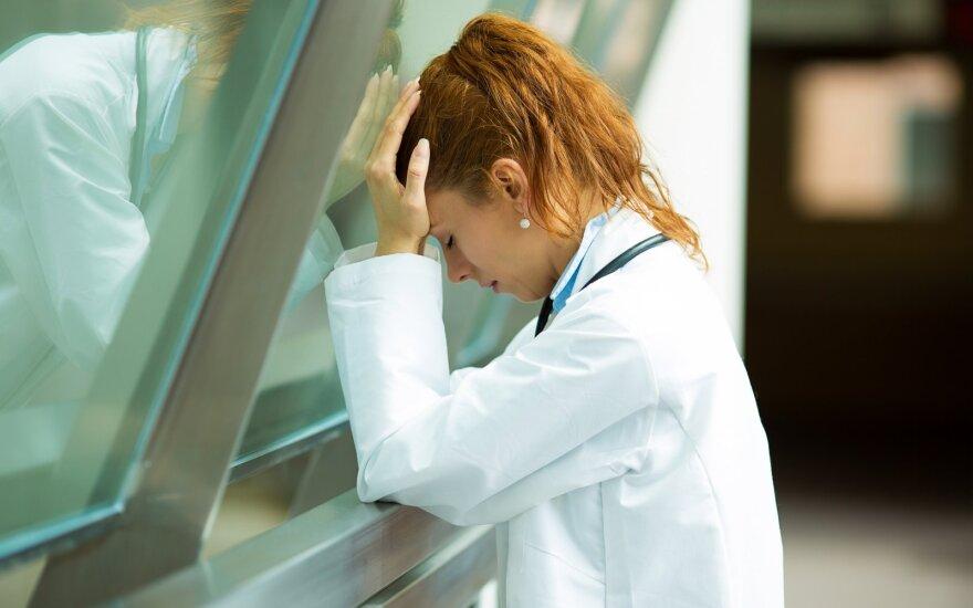 Jaunai gydytojai trūko kantrybė: tokia reklama puikiai atspindi mūsų visuomenės vertybės