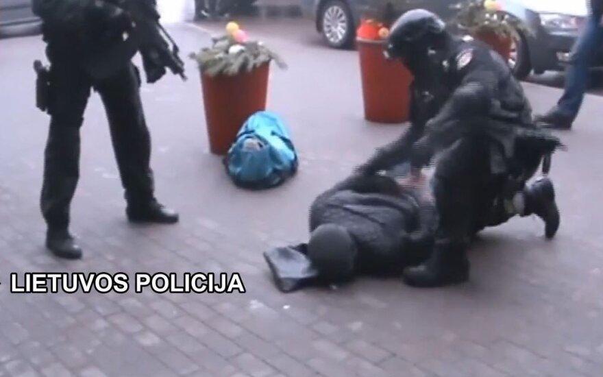 """Pasikėsinimais nužudyti įtariamus vyrus Vilniuje išguldė """"Aras"""""""