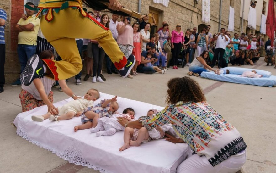 Šokinėjimo per kūdikius festivalis