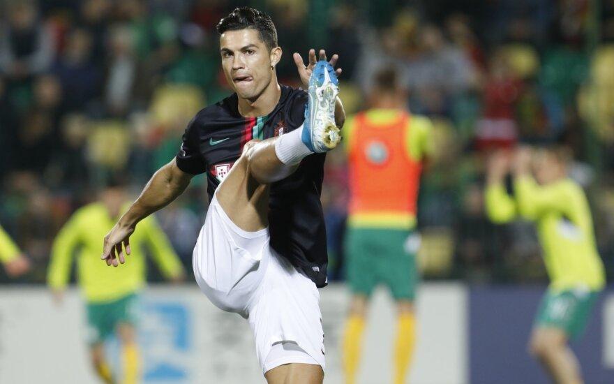 Portugalai nejuokaus: Ronaldo vėl bombarduos Lietuvos rinktinės vartus