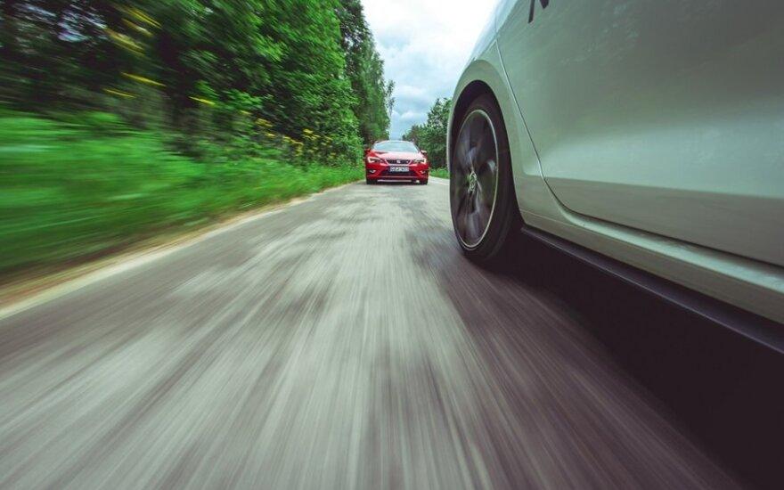 Volkswagen Golf GTI prieš Seat Leon FR