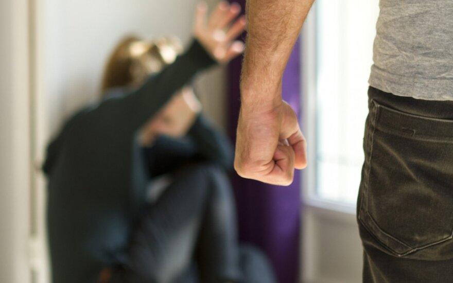 Seimas svarstys pataisas, kurios uždraustų vaikams taikyti fizines bausmes
