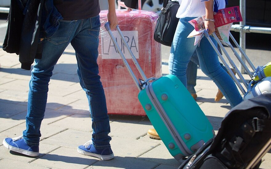 Number of emigrants from Lithuania exceeds that of immigrants by 1,000 in August