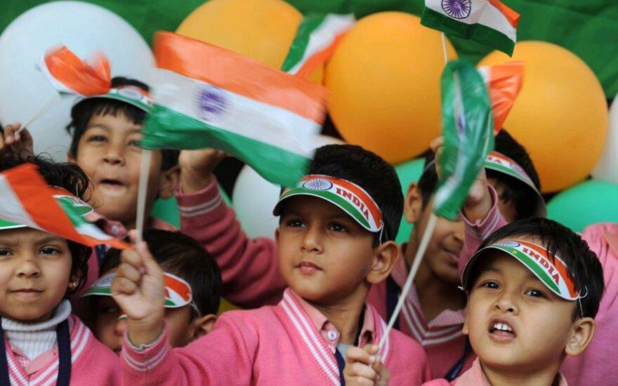 Daugiau kaip 15 tūkstančių indų pasiekė himno masinio giedojimo rekordą