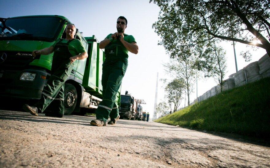 Viešųjų pirkimų tarnyba sustabdė šiukšliavežių pirkimą Kaune