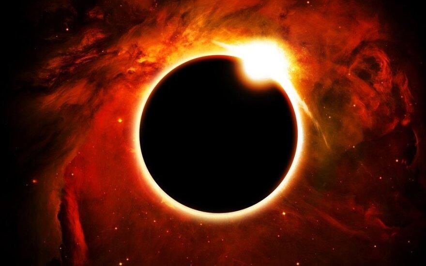 """Pusšešėlinis Mėnulio užtemimas: kas įvyks šiuo metu, <strong style=""""color: #ff0000;"""">tęstis 18 metų</strong>"""