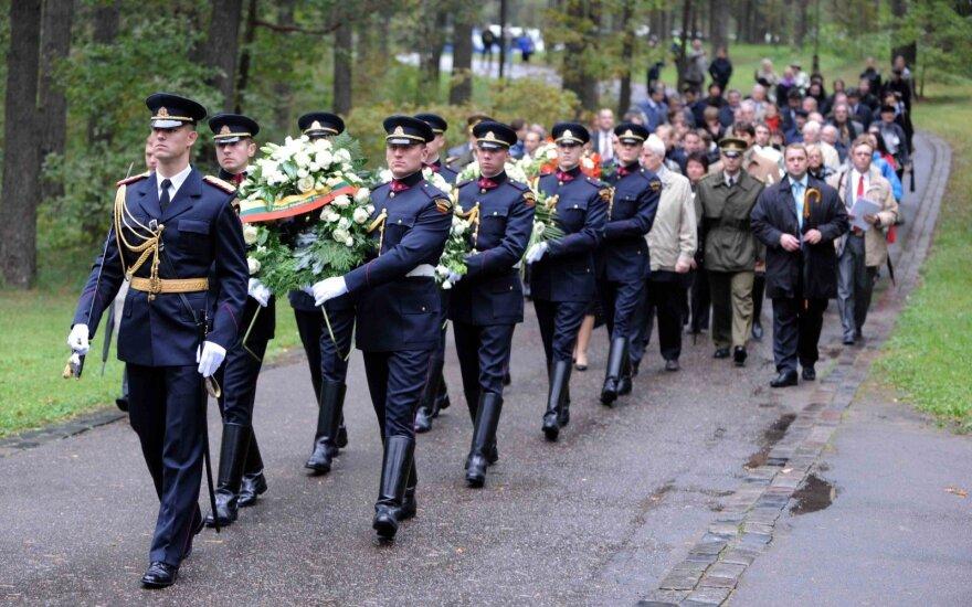 Visoje Lietuvoje - per 150 eisenų į žydų žudynių vietas, prezidentė pagerbs gelbėtojus