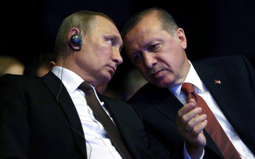 Turkija ir Rusija svarsto galimybę naudoti elektroninius pinigus tarpusavio atsiskaitymams