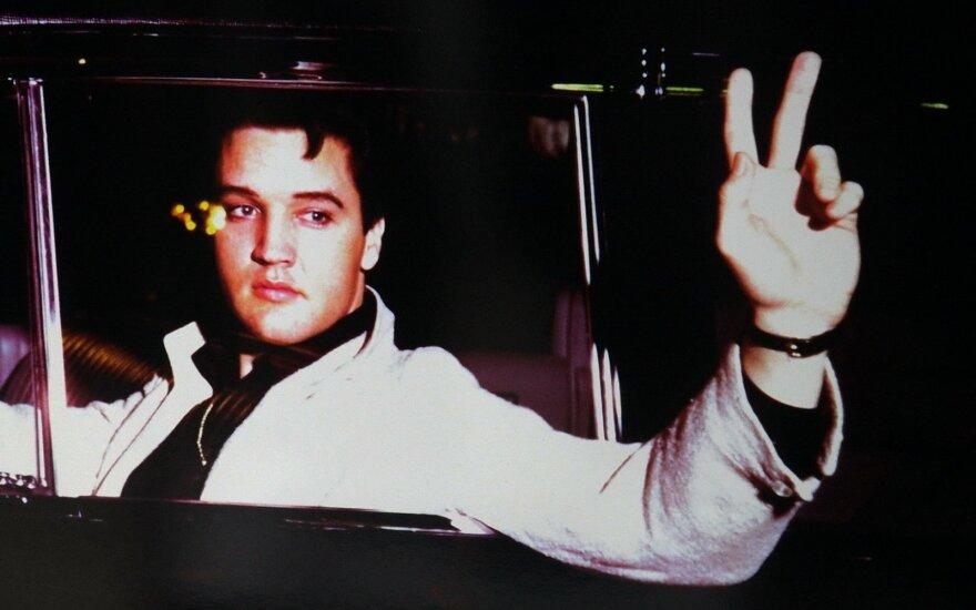 """E. Presley namai tapo """"viešbučiu"""": ar galimybė apsistoti jo apartamentuose verta tokios sumos?"""