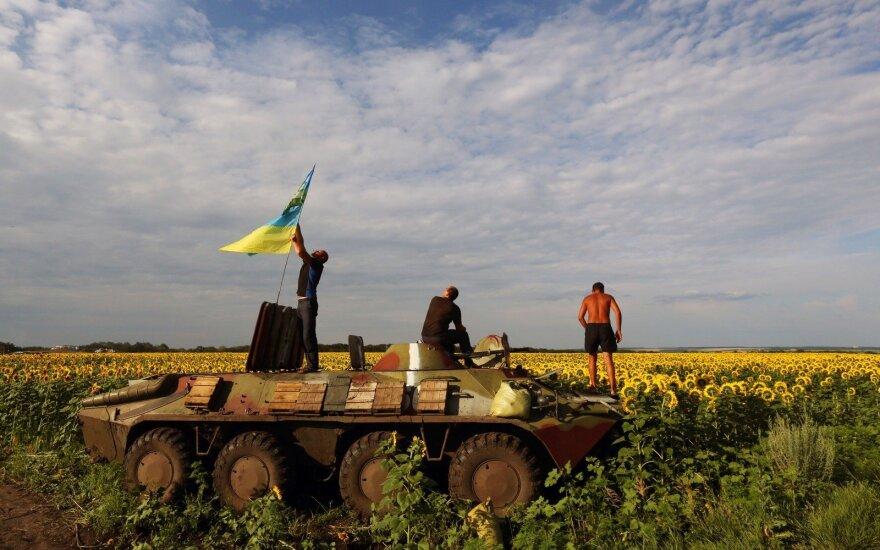 """Ukrainos kontaktinė grupė pritarė dokumentui su """"Steinmaierio formule"""""""