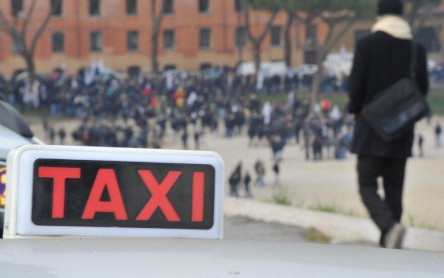 Taksi Romoje